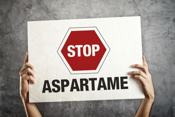 Leaked emails mention aspartame causing holes in brains of mice